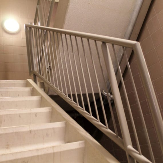Straatman-14028-Amazonedreef-Utrecht-(15)-spijlen-traphek