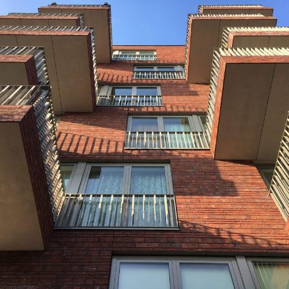 Straatman-15009-Villa-Industria-Hilversum-(3)-Hoeklijnen-balustrade
