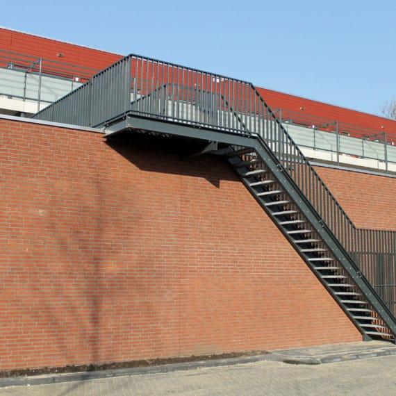 Straatman-15066-De-Vluchtheuvel-Bleiswijk-(2)-Stalen-Vluchttrap-Kooi-Poort