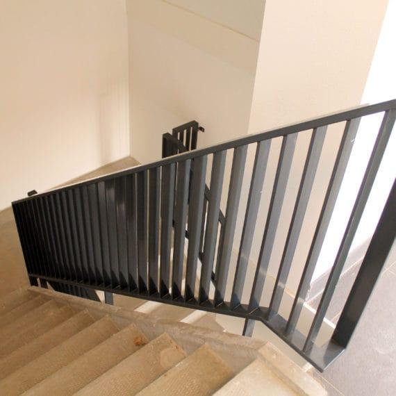 Straatman-15066-De-Vluchtheuvel-Bleiswijk-(5)-Lamel-trapbalustrade